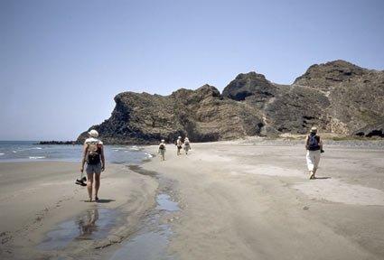 playa de monsul parque natural cabo de gata