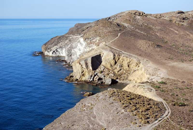 Camino hacia cala Príncipe, Cala grande  y Calas del Barronal Parque Natural de Cabo de Gata
