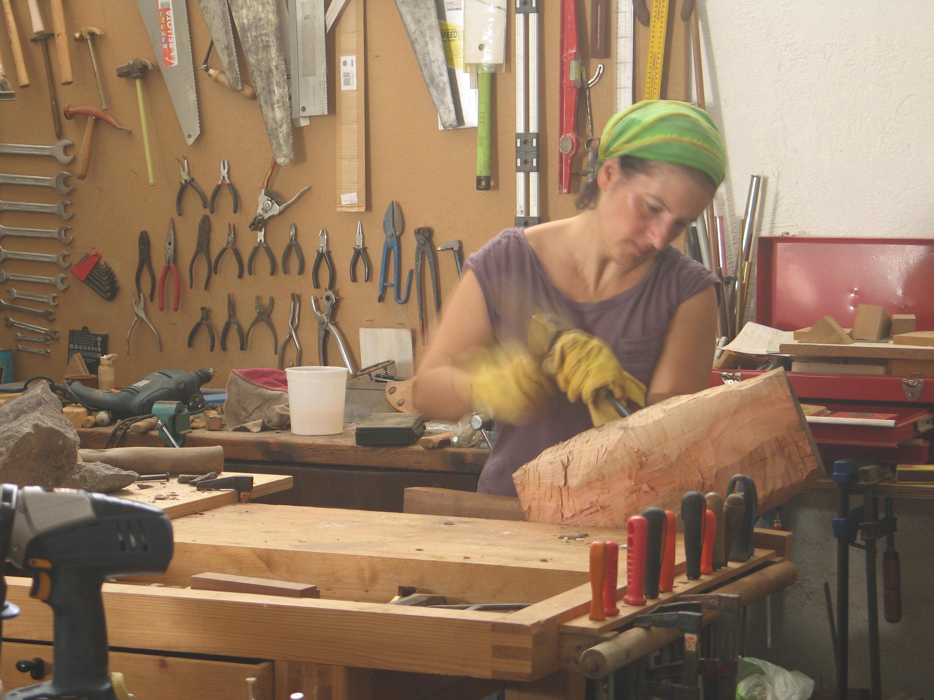 Tallando madera: taller en La isleta PN Cabo de Gata Níjar