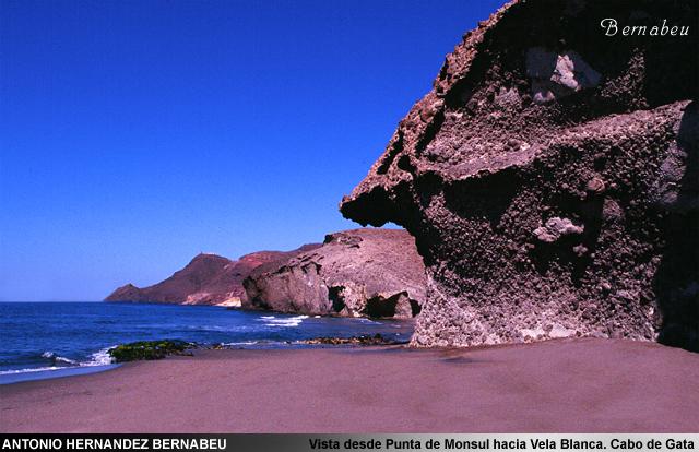 Vista de Monsul hacia Vela Blanca Cabo de Gata