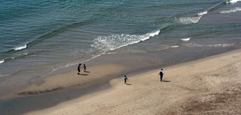 Juegos en la playa de Cala Chica