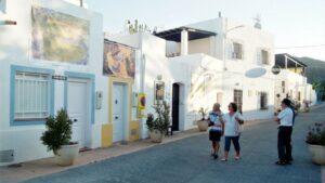 Rodalquilarte En La Calle Rodalquilar Cabo De Gata Almeria 300x169