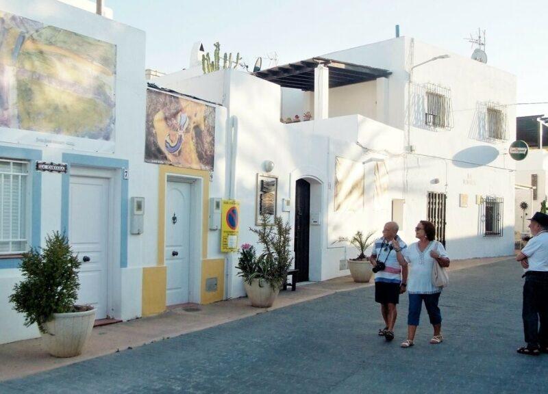 Rodalquilarte En La Calle Rodalquilar Cabo De Gata Almeria 800x576