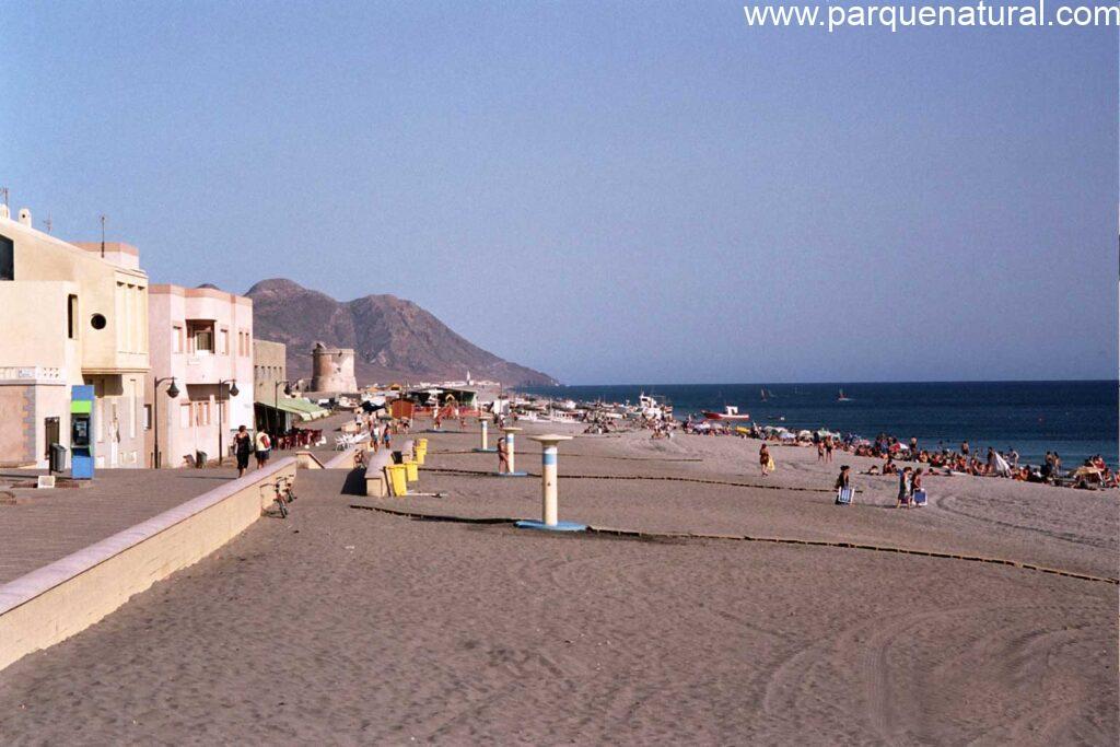 Verano Playa San Miguel Cabo De Gata Almeria