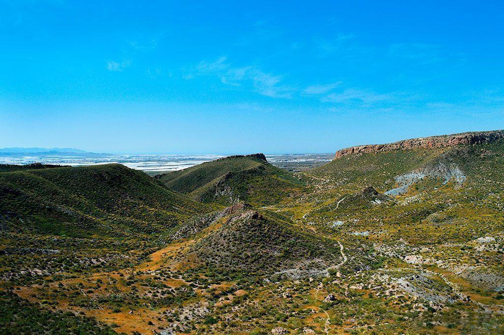 Hoyazo de Níjar Volcán de La Granatilla Senderismo y Minerales